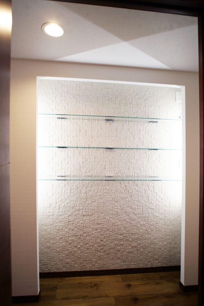 玄関ニッチ飾り棚[After]