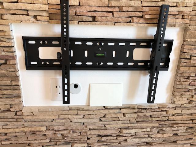 壁掛テレビの金具
