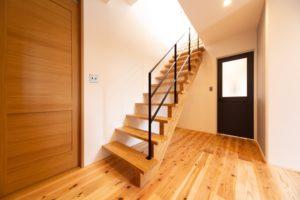 神戸市西区のスチール手摺の階段