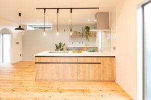 神戸市西区の木の家のキッチン