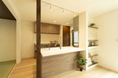 神戸市西区の吹抜けのある家のキッチン