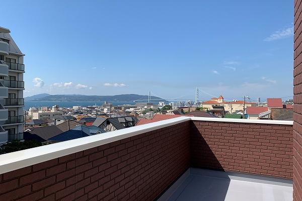 神戸市垂水区の2階リビングの家