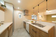 外断熱の家のキッチン