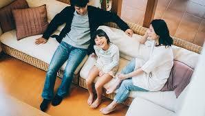 巣ごもり家族のイメージ画像