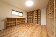 注文住宅の本棚部屋