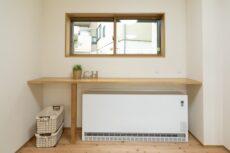 注文住宅の蓄熱暖房機