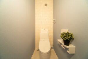 木の家のトイレ