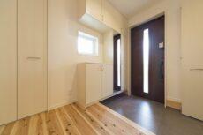 注文住宅の玄関の施工事例